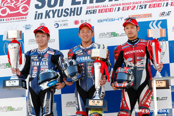 JSB決勝レース1表彰台