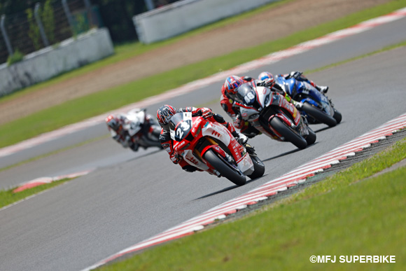 ST1000レース