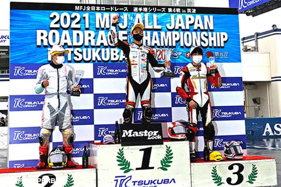 JーGP3表彰台(左から江澤伸哉、小室旭、細谷翼)