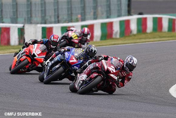 鈴鹿JSB1000レースイメージ