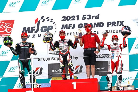 【速報】小山知良が11周のスプリントレースを制してシーズン2勝目!